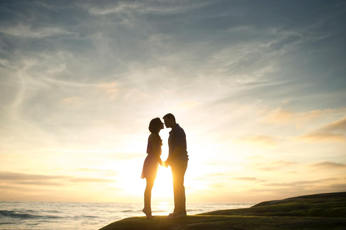 couple kissing during sunset romantic quotes